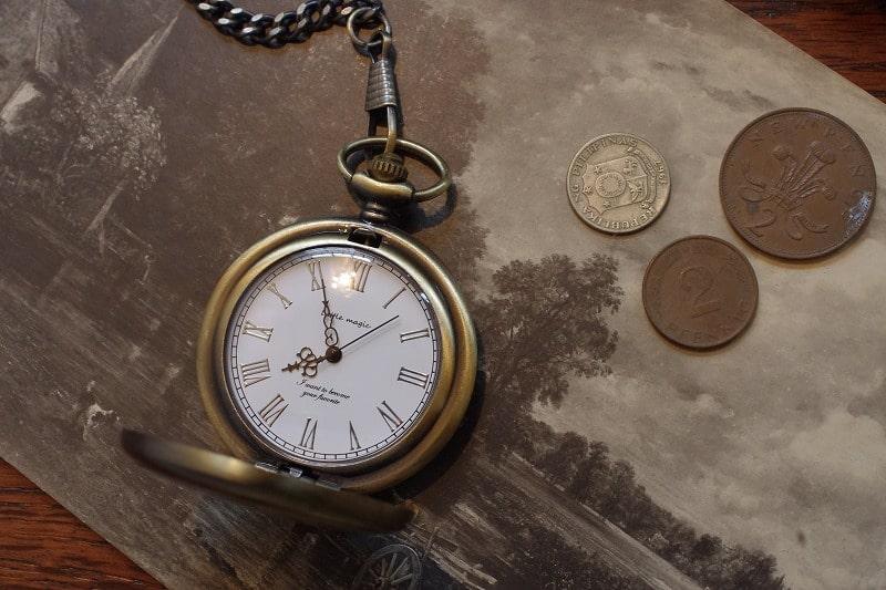 金属アレルギーや夏の汗が気になる方にオススメの懐中時計